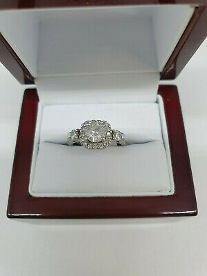 9ct White Gold And Diamond Ring 0.5k Central Stone 1k Total Diamonds Size I 1/2 • 550£