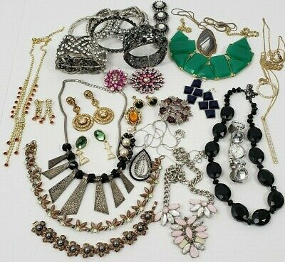 $ CDN65 • Buy Vintage & New Rhinestone Costume Jewelry Lot Of 32