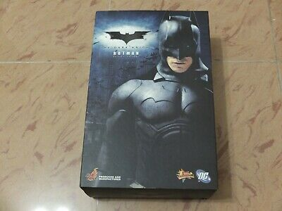 $ CDN587.96 • Buy Hot Toys MMS 67 Dark Knight Batman (Original Costume) Christian Bruce Wayne USED