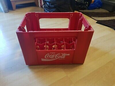 COCA COLA VINTAGE PLASTIC CRATE WITH 24 COMPARTMENTS IN GOOD CONDITION .For 2 Dl • 30£