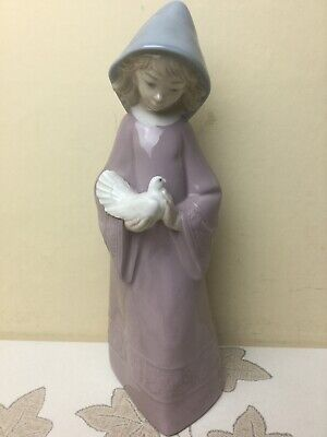Lladro / Nao 352 Caressing The Dove Figurine Perfect Condition • 29.99£