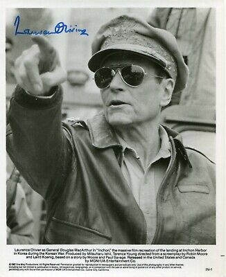 LAURENCE OLIVIER . Autograph . Hand Signed . 8-10 Inch . Excellent Condition . • 63.19£