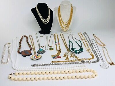 $ CDN1.47 • Buy Huge Lot Of 19 Jewelry Necklaces Vintage Modern Wearable Necklace Pieces Mixed