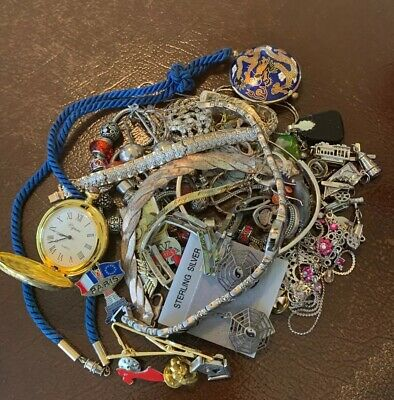 $ CDN1.40 • Buy  Large Lot Of Assorted Jewelry/Pins/Misc Some Sterling