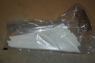 Airfix  1:144   Dc-10  Set Of Wings     Spares  • 14.99£