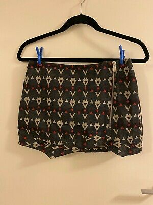 AU5 • Buy BRAND NEW  Pull And Bear Skirt - Size S