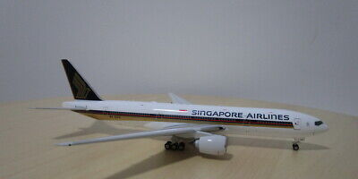 AU129.78 • Buy Singapore Airlines B777-200ER 1:400 9V-SVO Die-cast Airplane Model