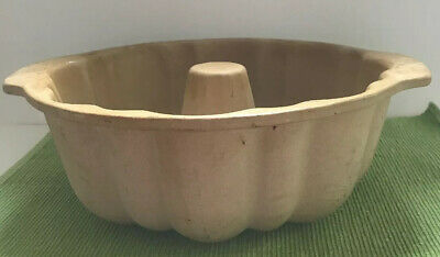 $31.99 • Buy Pampered Chef Family Heritage Stoneware Fluted Bundt Cake Pan #1440 Used