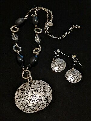 $ CDN21.78 • Buy Lia Sophia Silver Tone Etched Black Bead Medallion Necklace Earring Set