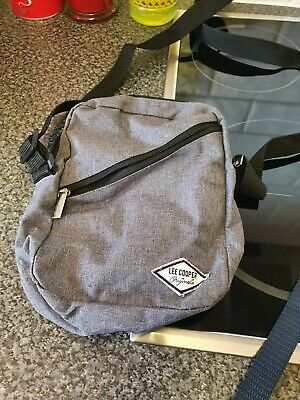 Mens Lee Cooper Over The Head Bag • 5£
