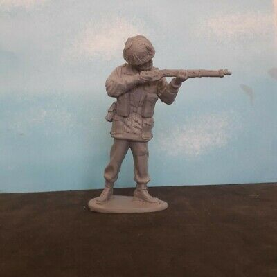 1/16 120mm WW2 BRITISH PARATROOPER RED DEVIL STOOD AIMING SMLE • 14.99£