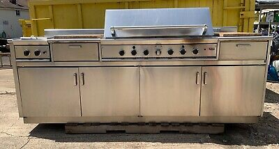 $4500 • Buy DCS Dynamic Cooking Systems Outdoor Kitchen With 48-Inch Natural Gas Grill