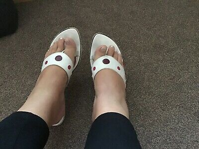 £3 • Buy Leather Flip Flops Size 39 Size 6 Used