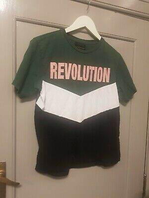 AU15 • Buy URBAN OUTFITTERS REVOLUTION T-SHIRT Szxs-tp. VGC