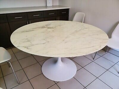 $450 • Buy Authentic Knoll Saarinen Round Marble Dining Table 54
