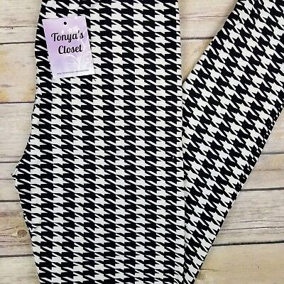 $10.95 • Buy Black And White Houndstooth Leggings Butter Soft ONE SIZE OS