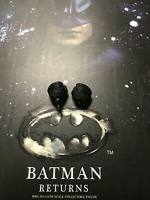 $ CDN50.74 • Buy 1/6 Hot Toys Batman Returns Batman MMS293 Pair Of Closed Fists