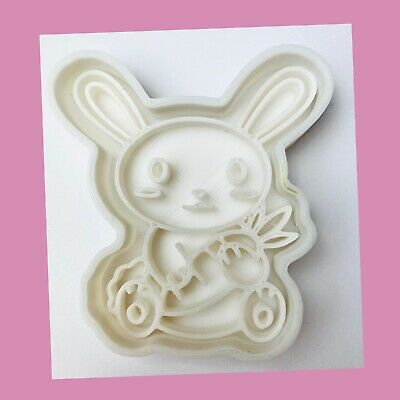 Cute Bunny Rabbit With Carrot Cookie Cutter • 4.99£