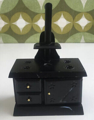 Large Black Dolls House Stove. As Found. • 6.10£
