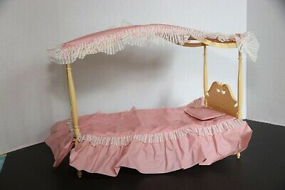 $ CDN20 • Buy Vintage 1960's Susy Goose Barbie Canopy Bed, Mattel