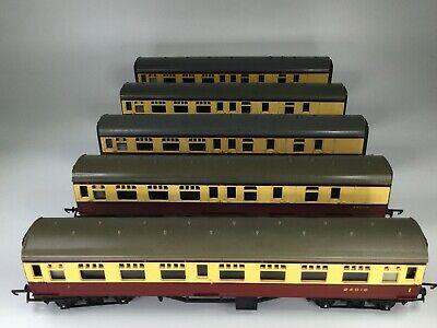 TRIANG Coaches OO Gauge - 1 X 24010 & 4 X  34002 - Maroon & Cream • 9.99£