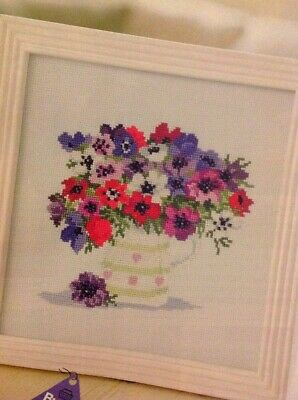 (T) Vase Of Anemone Flowers Cross Stitch Chart • 1.99£