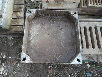 £50 • Buy 500 X 500 X 100mm Steel Recessed Block Paving Manhole Cover & Frame