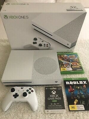 AU450 • Buy Xbox One S White 1TB Console Controller Game And 3month Game Pass LIKE NEW!