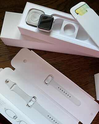 $ CDN340.79 • Buy Apple Watch Series 4 40 Mm Silver Aluminum With New White Sport Band (GPS +...