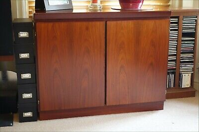Skovby Rosewood Sideboard, One Adjustable Shelf & Two Baize-Lined Drawers • 18.40£