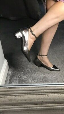 Silver/Pewter Court Shoes Size 5 • 1.80£