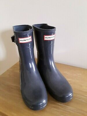 Hunter.... Short Wellie Boots ....Size 3...Charcoal Colour • 10£