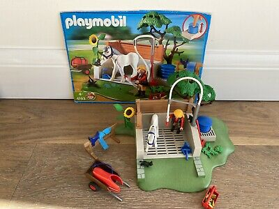 PLAYMOBIL Country Horse Grooming Station • 10£