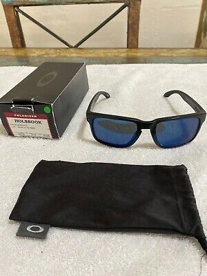 AU135 • Buy Oakley Holbrook Polarised Sunglasses