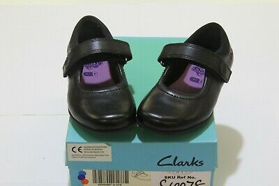 Clarks 'daisy Jump' Girls Shoes Uk 7.5 Eu 25 • 15.99£