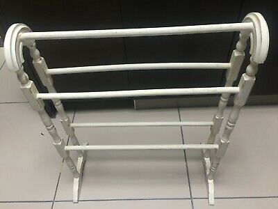 A Lovely Shabby Chic Wooden Free Standing Towel Rail. • 31.99£
