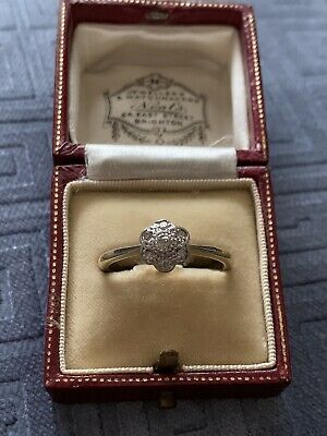 Art Deco 18ct Gold & Platinum Diamond Daisy Ring • 145£
