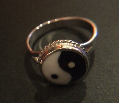 Lovely Vintage 925 Silver Ring Size J Yin & Yang Stamped 925 • 11£