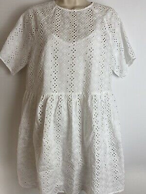 Levis Embroidered Mini Dress In White - BNWT - SMALL • 10£