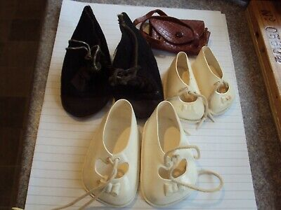 French Doll Shoes, Caprice, Size 60 And 40, White, Black Felt Boots, Handbag • 8£