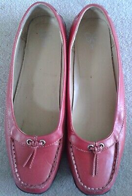 Ladies Flat Leather Shoes Size 6E By Evans • 3£