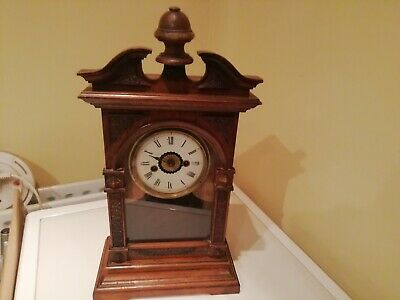 An American Mantel Clock (For Complete Restoration) • 25£