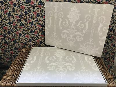 4 Grey & White Lace Style Table Mats  • 12.99£