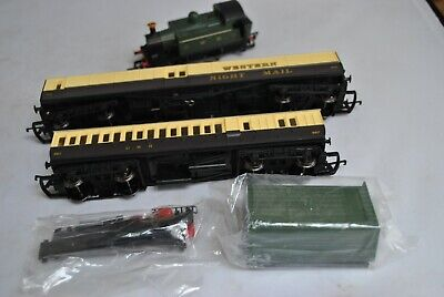 00 Gauge Brand New Hornby GWR Locomotive + Great Western Royal Mail Coaches • 10£