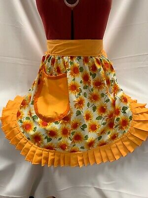 RETRO VINTAGE 50s STYLE HALF APRON / PINNY - SUNFLOWERS ON CREAM WITH GOLD • 16.99£