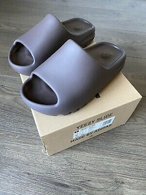 AU96 • Buy Yeezy Slide Soot US7 Brand New