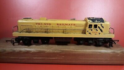 Rovex Triang Hornby Railway R155 Yellow Switcher TC Non Runner.  • 16.09£