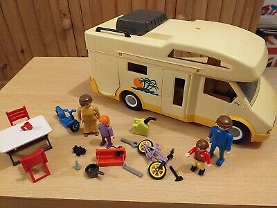 Playmobil Campervan And Family • 5.50£