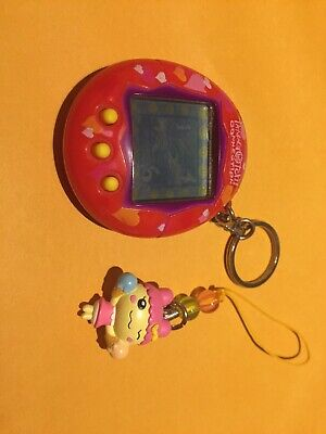 $ CDN60 • Buy Tamagotchi Connection, Rare! Red With Hearts And Charm - 2004 Tested-works