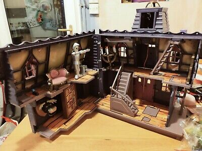 Scooby Doo Mystery Mansion Haunted House With 10 Figures.  • 15£